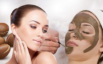 KOSMETICKÉ OŠETŘENÍ PLETI ARGANOVÝM OLEJEM A MAROCKÝM JÍLEM za 299 Kč! Odlíčení, čištění, masáž obličeje, krku a dekoltu, aplikace marockého jílu, barvení řas i obočí, aplikace pleťového krému s arganovým olejem!