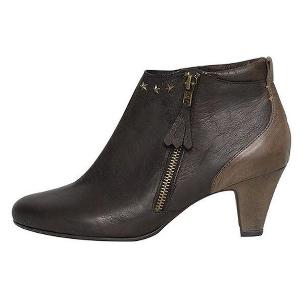 Dámské tmavě hnědé boty se střapcem Buggy