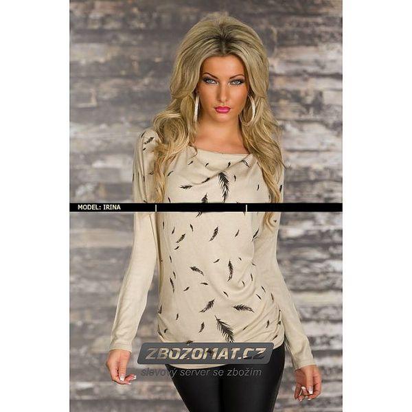 Módní svetr s dekorací peříček