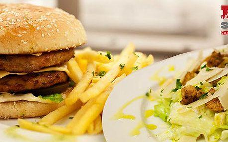 Výtečné burgery i salát pro dva ve Fire Station