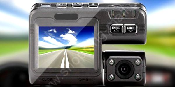 Přenosná HD minikamera do auta s češtinou: mějte důkazy v případě problémů!