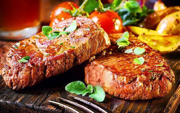 4x šťavnatý steak 250g a 4x domácí štrúdl v Praze