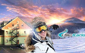 Zimní pobyt v nejznámějším lyžařském středisku Jeseníků! 4 nebo 3 dny až pro 4 osoby v nově zrekonstruovaném apartmánu, přímo vedle skiareálu v Karlově pod Pradědem! Užijte si lyžování s přáteli či rodinou již od 1999 Kč!