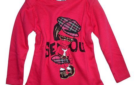 Červené tričko s panenkou