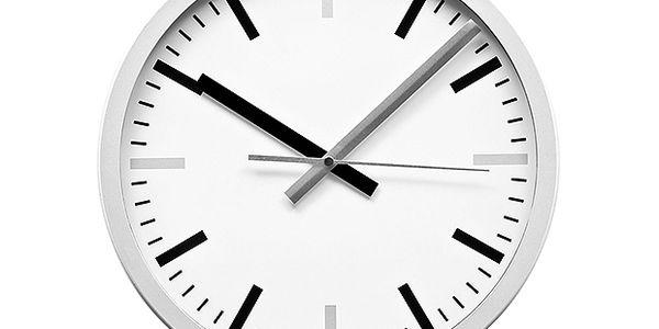 Sříbrno-černé hodiny Minute