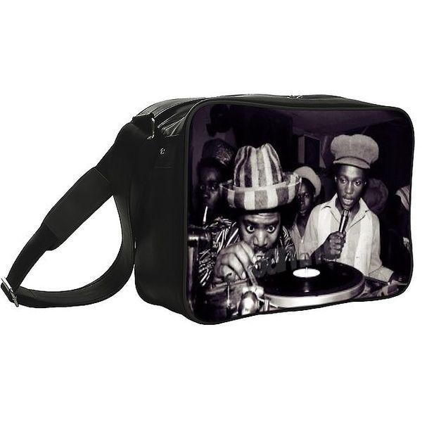 Černá taška s černobílým fotopotiskem Kothai