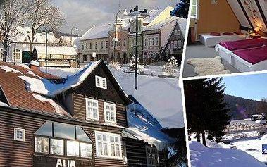 Jedinečná nabídka!!! Zimní pobyt s výtečnou polopenzí pro 2 osoby na 3 nebo 7 dní v nádherné oblasti KRNAPu! Dva lyžařské vleky se nachází přímo před penzionem!