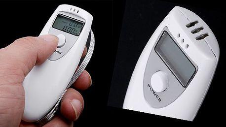 Digitální alkohol tester s přesnosti na dvě desetinná místa s praktickým poutkem, nenechte se zaskočit při řízení auta!