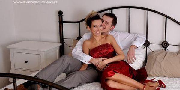 Valentýnská akce! Focení zamilovaných párů nebo ženských aktů v komorním ateliérovém prostředí. Omezený počet voucherů!
