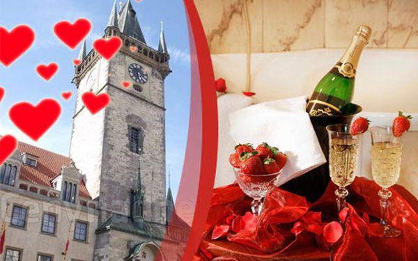 Pojďte na romantický výlet do Prahy. Ubytování pro dva na 3 dny se snídaní do postele a wellness!