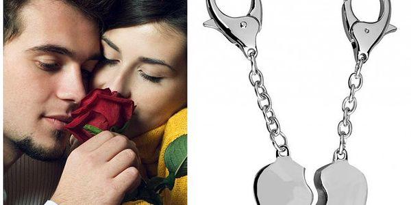Přívěsek na klíče pro páry ve tvaru srdce!