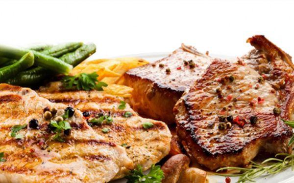 Šťavnatý mix grill pro 2 a více osob v nově zrekonstruované restauraci café-restaurant honner! 3x 200g steak z vepřovové, kuřecího a krůtího masa, 2x volské oko, hranolky, salátek a tatarka! Jen 299 kč!