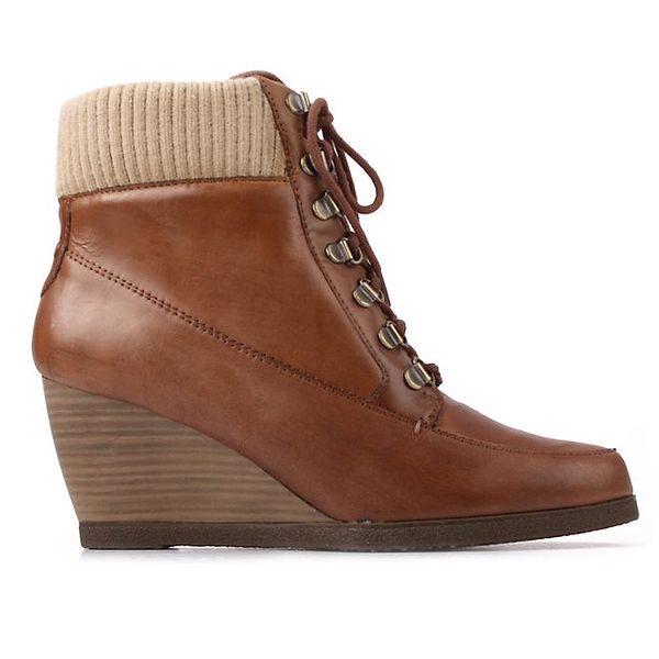 Dámské hnědé šněrovací boty na klínku Derhy