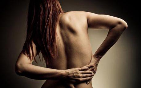 Hodinová odborná masáž šíje nebo bederní oblasti s...