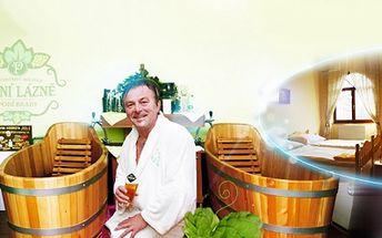 Opravdový relax v Pivních lázních Poděbrady! Pivní KOUPEL s neomezeným popíjením PIVA Bernard, relaxační MASÁŽ šíje a ubytování na TŘI DNY v penzionu Flídr včetně bohaté SNÍDANĚ, jen za 3999 Kč PRO DVA!