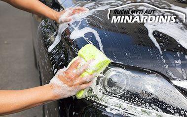 3 různé programy ručního mytí vozu v brněnské automyčce Minardinis