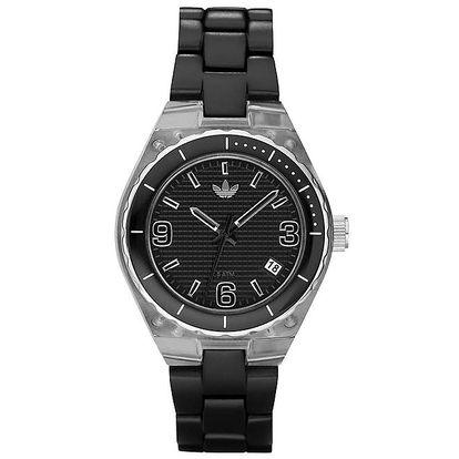 Černé hodinky Adidas s plastovým potahem pouzdra a řemínkem