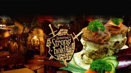 """Luxusní vepřové panenky """"Strongholdská věž"""" pro DVA za 199 Kč v restaurci Stronghold – hospůdce roku 2013! Vepřové panenky zalité sýrovým dipem s čerstvými bramboráčky! Vaří Štěpán Duchoň, kterého znáte z pořadu Dobré ráno na ČT 2!"""