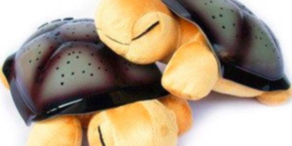 Super dárek pro nejmenší! Magická svítící želvička se slevou 72% pouze u nás! Více dárků hledejte na maxsleva.cz!