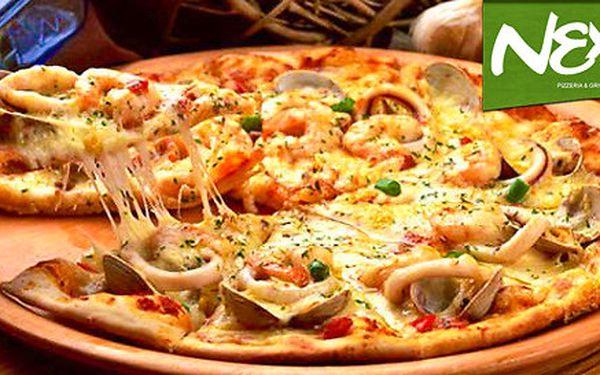 Dvě italské pizzy z nové pizzerie Nexo