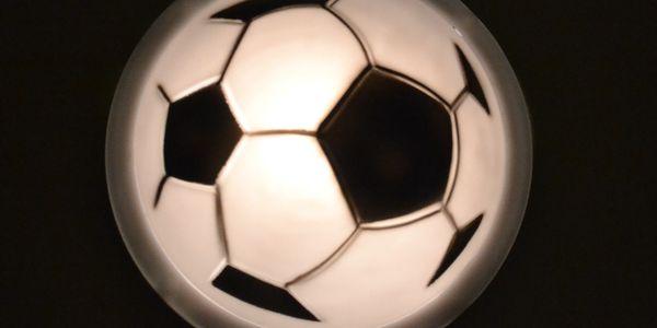 Noční světlo každého správného fotbalisty! Zapínání dotekem.