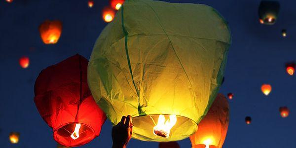 10 létajících lampiónů štěstí: pošlete svá přání do výšin
