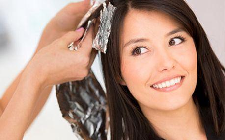 Kadeřnický balíček včetně barvení vlasů za skvělých 399 Kč + parafínový zábal na ruce zdarma!
