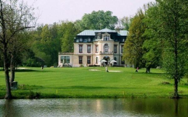 Ubytujte se na zámku a hrajte 3 dny královský golf v Myštěvsi. 2 noci se snídaní, 3x fee s možností hry na úpravu HCP, každý den 2 koše míčů na trénink a sleva 80% na každé další fee v rámci pobytu. Jen 1475 Kč/osoba.