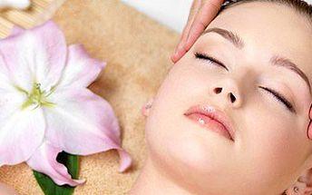 Luxusní masáž obličeje, krku a dekoltu + zapracování séra ultrazvukovou špachtlí