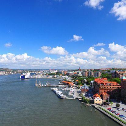 Výletní plavba lodí na moři ve Švédsku