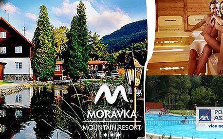 Relax pro dva na 3 dny v Beskydech v Morávka Mountain Resortu s volným vstupem do bazénu s mořskou solí, do sauny, dále tenis, aperitiv a polopenze!! Příroda Beskyd je kouzelná!!
