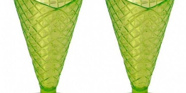 Sada zelených pohárů na zmrzlinu, 2 ks, které lákají k venkovnímu posezení