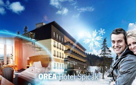 Vyhlášený OREA Hotel Špičák*** v srdci Šumavy! Bohaté SNÍDANĚ, neomezeně SAUNA, BAZÉN, WHIRPOOL a fitness! TŘÍDENNÍ relax pro dva jen za 2499 Kč! Sleva 56%!