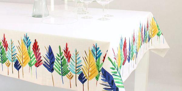 Oblečte svůj stůl do barevného hávu. Ubrus Pine Tree 150x225 cm
