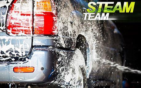 Ruční mytí a čištění auta parní technologií