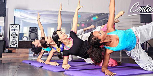 10 lekcí power jógy a měsíční členství v Contours