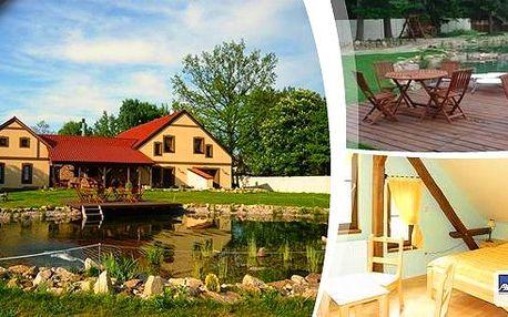 Objevte krásu Jižních Čechv luxusním apartmánu s jezírkem a velkou zahradou přímo vybízející ke grilování! Třídenní pobyt pro 2 osoby v příjemném prostředí. Hrady, zámky, koupání i sport.