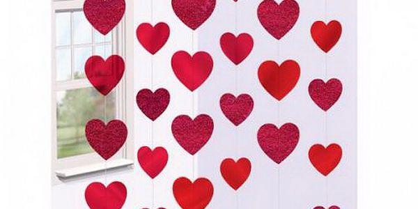 Řetězová dekorace srdce červená (papírová)