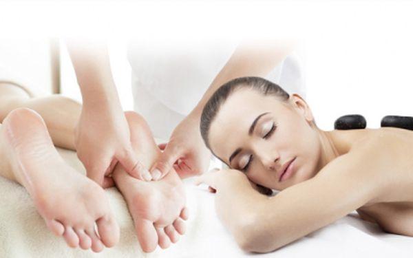 Studio Bona Dea přináší 60min. masáž kombinující 5 různých technik se slevou 60%! Přijďte si prohřát tělo, rozproudit tok energie v těle, fyzicky i psychicky si odpočinout. Úžasný hodinový relax za akční cenu 359 Kč!