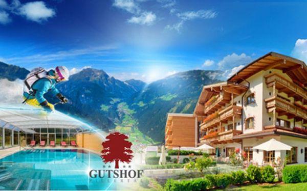 AKCE DNES KONČÍ! Luxusní tyrolský hotel Gutshof Zillertal**** jen za 3999 Kč na TŘI DNY! Bohatá POLOPENZE, láhev vína, MASÁŽE, vstupenka do Swarovski Crystal Worlds, neomezeně WELLNESS! LYŽOVAČKA celý rok na ledovci Hintertux!