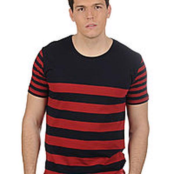 Pohodlné pánské tričko značky Selected