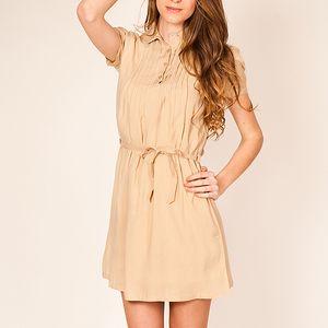 Béžové šaty s krátkým rukávem