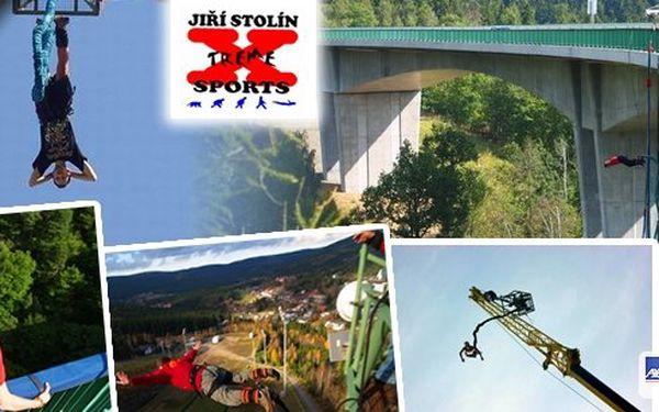 Bungee Jumping je extrémní zážitek, který stojí za to prožít. Můžete si skočit jako jednotlivec nebo si jej můžete vyzkoušet v tandemu. Nyní z výšky až 62 metrů a to vše s adrenalinovou slevou!