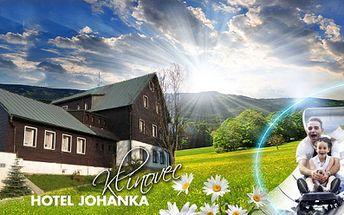 Jarní a letní pobyty přímo u Klínovce pro 2 osoby za perfektní ceny! 3 nebo 5 DNÍ včetně POLOPENZE od pouhých 1799 Kč PRO DVA v Hotelu Johanka! Užijte si kola, túry, odpočinek, památky a plno aktivit v Krušných horách!