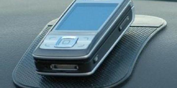 Nanopodložka udrží Váš mobilní telefon i ve svislé poloze. Vhodné do auta.
