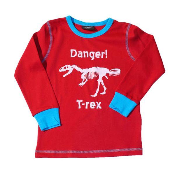 Červené tričko s dinosaurem