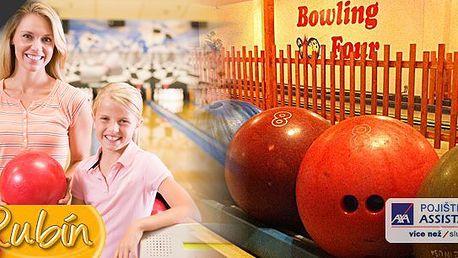 Zahrajte si bowling za úžasnou cenu, k tomu zdarma 1 pivo nebo nealko. 60 minut zábavy v Bowling clubu RUBÍN Ostrava.