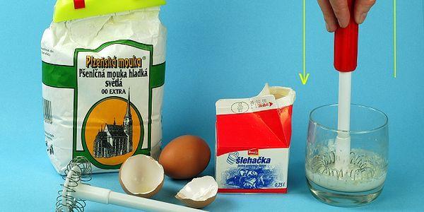 Ruční spirálový turbošlehač (kuchyňská pomůcka)