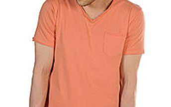 Selected - pěkné pánské tričko s výstřihem do V
