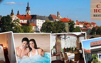 Letní romantický pobyt v hotelu City přímo v centru města Písek pro 2 osoby na 3 dny. Snídaně, tříchodové romantické večeře a vstup do venkovního whirpoolu na vyhlídkové terase! Navíc welcome drink, sladké překvapení a vstup do music clubu!